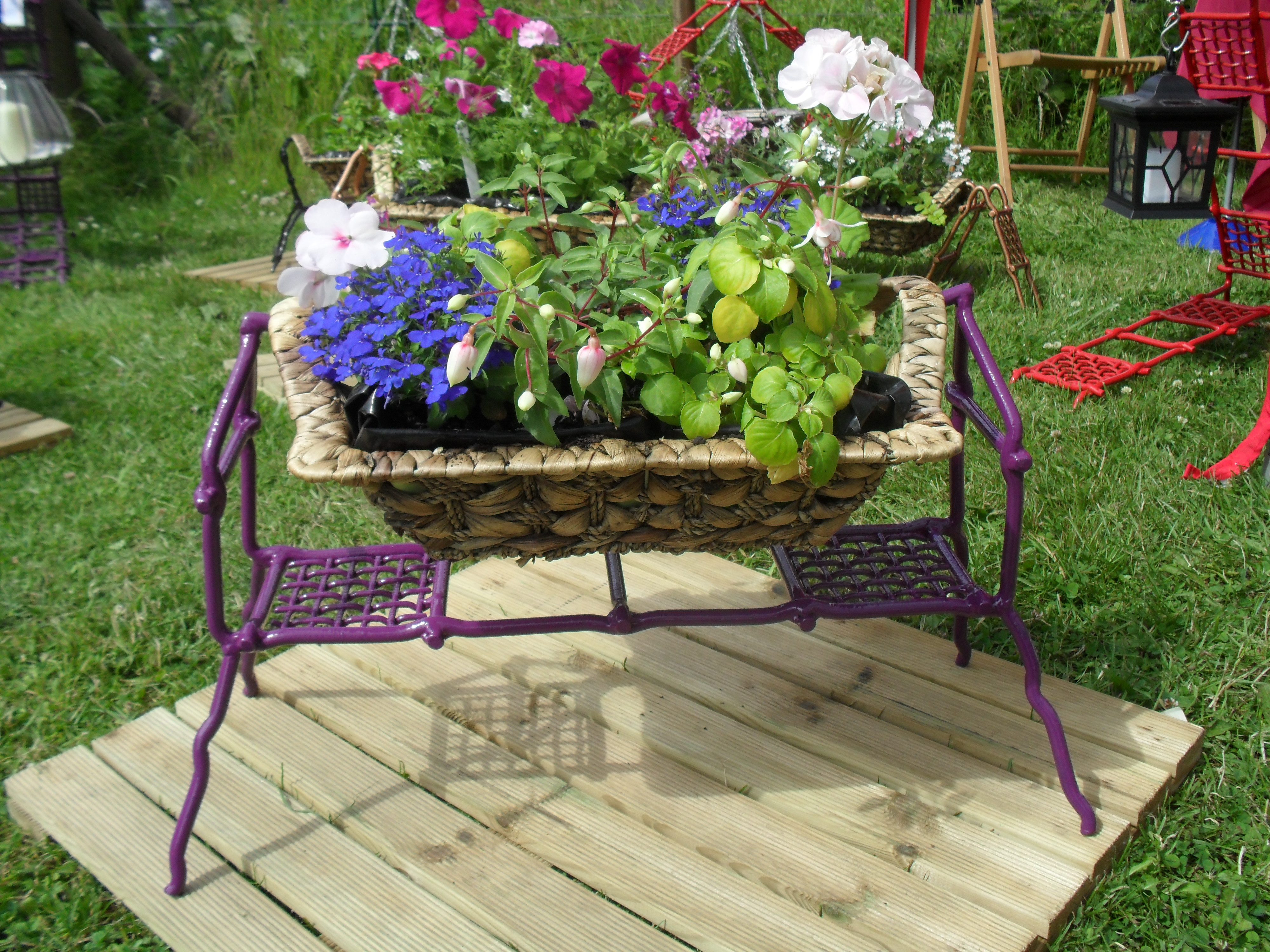 Range Flower Baskets : Bob buddi freestanding flower basket stand