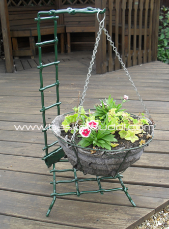 Buddi One Hanging Basket Stand